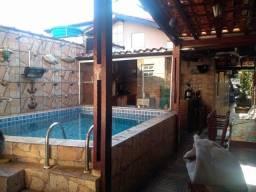 GR Maravilhosa casa com piscina