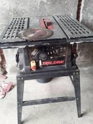Maquina de corta madeira