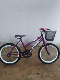 Bicicleta Aro 20 com cestinha