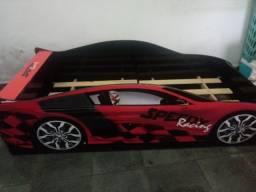 Vendo cama infantil carro