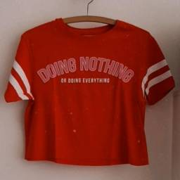 "camiseta/cropped ""doing nothing"""