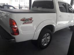 Toyota Hilux 4X4 Diesel - Central Veiculos - 2014