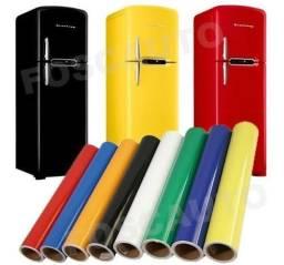 Envelopamento de geladeira com cor sólida