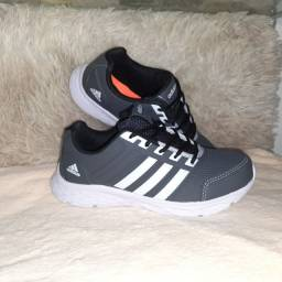 Tênis Adidas cinza * 9 8 6 0 0 - 1 0 2 1