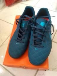 Tênis fútsal Nike