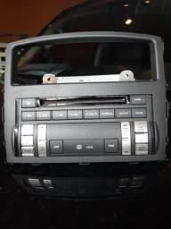 Rádio Mitsubishi, no estado. Sem teste de funcionamento.