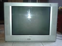 Televisão CCE 21?  pouco usada é muito conservada