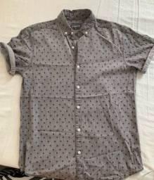 Camisa social, cinza estampada (Tamanho P)