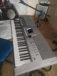 Vendo teclado em perfeito estado Psr S 500 Yamaha