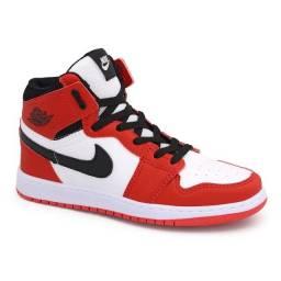 Tênis Air Jordan 1 Botinha Premium