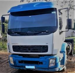 Título do anúncio: Volvo Vm 330 4x2