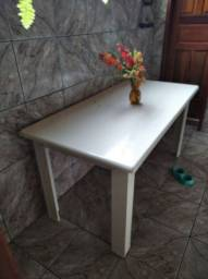 Mesa em MDF branco