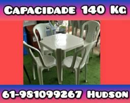 ::: Jogo de Mesa com Cadeiras de Plástico