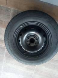 1 pneu c roda fiat 14 por 250,00