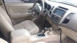 Toyota Hillux SW4 SRV D4-D4x4 3.0 TDI Dies Aut turbo