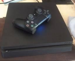 PS4 C/ 1 controle - Em excelente estado