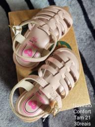 Vendo sapatos de criancas