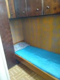 Alugo quarto de solteiro