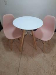 Mega Promoção dia das mães!!Mesa Estilo Eiffell 70 cm + 2 Cadeiras .
