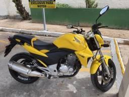Vendo cb300 2013 64km por R$9.500