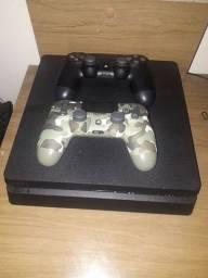 PS4 500GB Semi Novo c/ 2 controles
