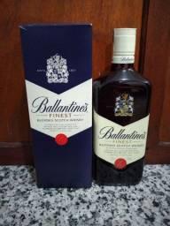 WHISKY BALLANTINES 750 ML NOVO LACRADO