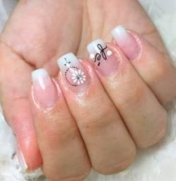 Título do anúncio: Procuro ,manicure que trabalha muito bem! Para salão,bairro d clara