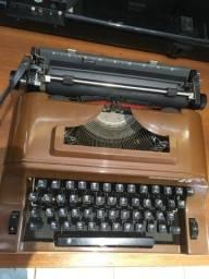 Máquina de escrever Renington 25