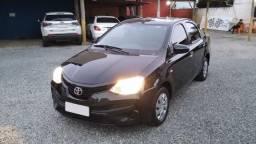 Toyota Etios Sedan 1.5 17/18 Preto Econômico e Espaçoso