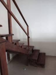 Escada de massaranduba