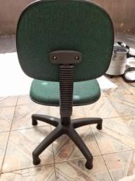 Cadeira de rodinhas
