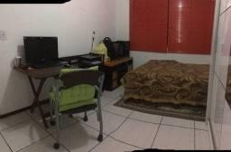 Aluguel de quarto para estudante universitária