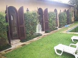 Casa com Piscina 4 quartos, 3 suítes, 4 vagas, quintal e churrasqueira no Morumbi