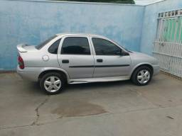 Corsa Sedan Completo - 2001