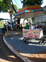 Vende se um carrinho p hot dog e caldos novinho sol 4 cubas etc aceito proposta