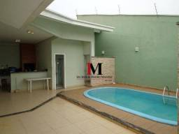 Alugamos casa com 3 quartos, piscina, proximo ao shopping - Disponivel pra visita apos 15/