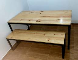 Mesa de jantar e banco estilo industrial