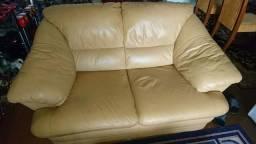Jogo de sofás de 2 e 3 lugares impecável 100% couro legítimo peças de alto padrão (únicas)