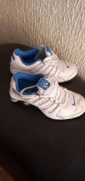 Nike shox  semi novo n 34