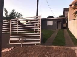 Casa no centro doís vizinhos vendo ou troco