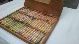 Vendo conjunto de Pasteis Giz seco 72 tons de cores