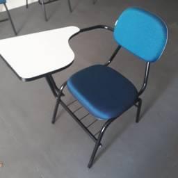 Cadeiras tipo universitária