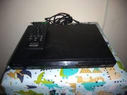 Aparelho DVD Sony com controle remoto