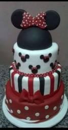 Bolo fake. 240 reais os dois bolos.