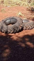 Par de pneus recapados 12.4x24