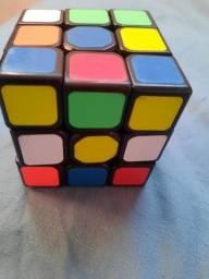 Vendo Cubo Mágico