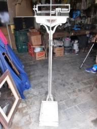 Balança filizola antiga, pesa e mede altura