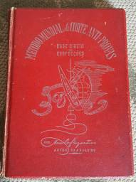 Livro antigo de corte e costura