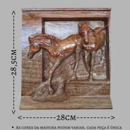 Quadro 2 cavalos entalhado na madeira nobre