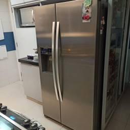 Geladeira / Refrigerador Side by Side Frost Free 504l inox Electrolux 127V